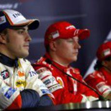 Alonso, Raikkonen y Massa en el GP de España 2008
