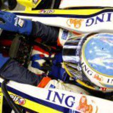 Alonso en su coche