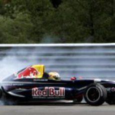 Alguersuari en acción en 2006