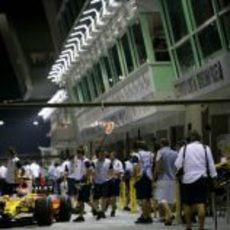 Piquet sale a pista