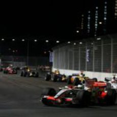 Fisichella segundo detrás del safety car