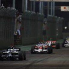 Rosberg por delante de Trulli
