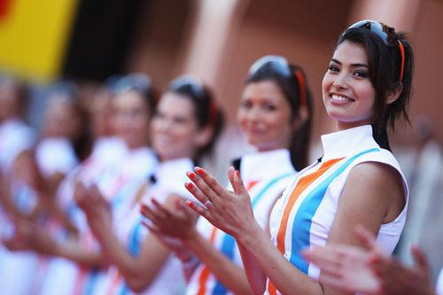 Las 'pitbabes' del GP de Mónaco 2011
