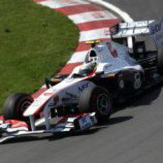 Pedro de la Rosa rueda en el GP de Canadá 2011
