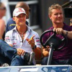 Schumacher sale de paseo por el circuito de Canadá junto a Coulthard