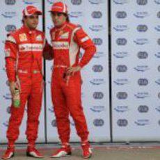 Felipe Massa y Fernando Alonso tras la clasificación del GP de Canadá 2011