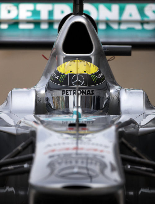 Nico Rosberg y su Mercedes frente a la cámara en Canadá 2011