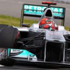 Michael Schumacher exprime sus neumáticos superblandos en clasificación
