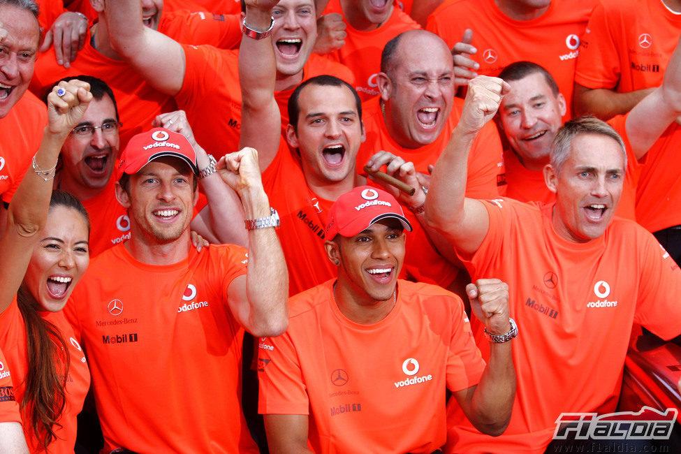 Michibata, Button, Hamilton y Whitmarsh celebran la victoria en Montreal