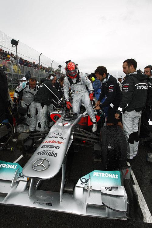 Michael Schumacher en la parrilla del GP de Canadá 2011