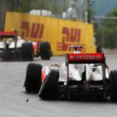 Hamilton destrozó su neumático en el GP de Canadá 2011