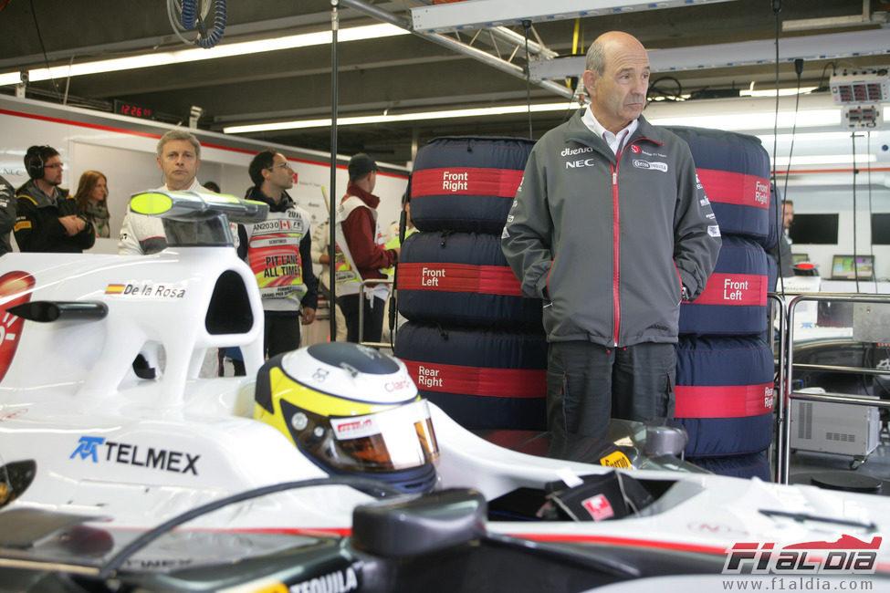 Peter Sauber siguió de cerca a Pedro de la Rosa en Canadá 2011