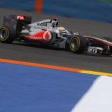 Hamilton busca un buen tiempo en Valencia