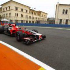 Timo Glock por las calles de Valencia en el GP de Europa 2011