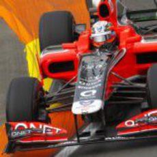 D'Ambrosio pilota sobre el asfalto valenciano en Europa 2011