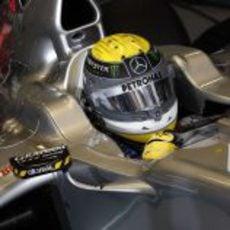 Nico Rosberg en el interior de su W02 en el GP de Europa 2011