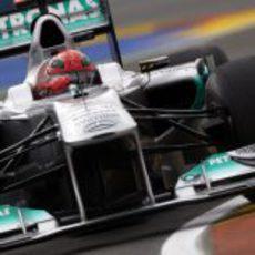 Schumacher pilota su Mercedes en el GP de Europa 2011