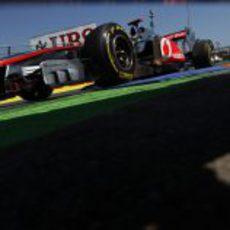 Una mirada distinta al McLaren en el GP de Europa 2011