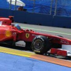 Fernando Alonso en la Q1 de la clasificación del GP de Europa 2011
