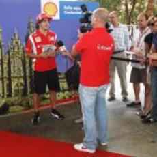 Alonso apoyando el Camino de Santiago