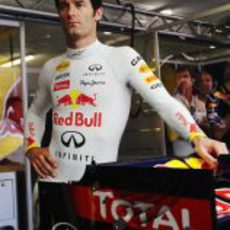 Webber espera para subirse a su monoplaza en Europa 2011