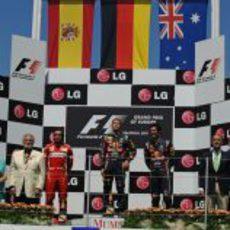 Vettel, Alonso y Webber en el podio del GP de Europa 2011