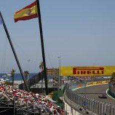 Banderas de Valencia y España en el GP de Europa 2011