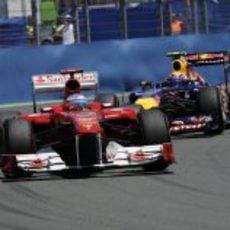 Alonso por delante de Webber en el GP de Europa 2011
