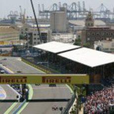 La grada principal del GP de Europa 2011 estuvo llena