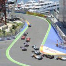 Primera curva del GP de Europa 2011