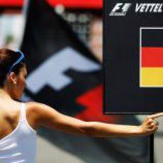 La pit babe de Vettel en el GP de Europa 2011