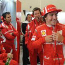 Muy buen ambiente en el box de Ferrari en Gran Bretaña 2011