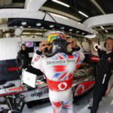El mono de los sábados de McLaren en el GP de Gran Bretaña 2011