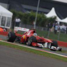 Alonso busca la 'pole' en el GP de Gran Bretaña 2011