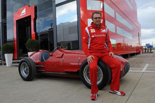 Stefano Domenicali y el 375 F1 en Silverstone 2011