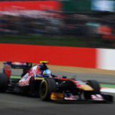Jaime Alguersuari durante la clasificación del GP de Gran Bretaña 2011