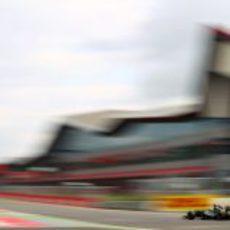 Kovalainen rodando en Silverstone 2011