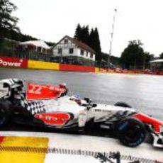 Daniel Ricciardo con ruedas de agua en Spa 2011
