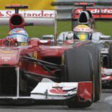Lucha de tú a tú entre Alonso y Hamilton en el GP de Bélgica 2011