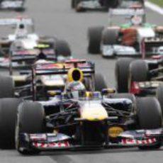 Massa, Vettel y Hamilton al frente en la salida del GP de Bélgica 2011