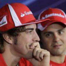 Fernando Alonso y Felipe Massa en la rueda de prensa de la FIA en el GP de Italia 2011