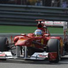 Fernando Alonso buscando la 'pole' en la casa de Ferrari