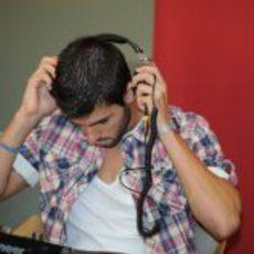 Jaime Alguersuari se pone los cascos y se convierte en 'DJ Squire'