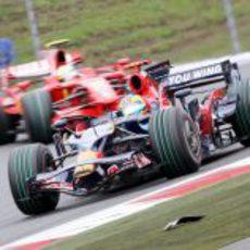Bourdais perseguido por Massa