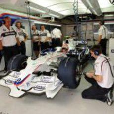 Kubica a punto de salir a la Q2