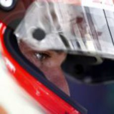 Barrichello pasa a la Q2