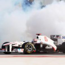 Kamui Kobayashi rompió el radiador en el GP de India 2011