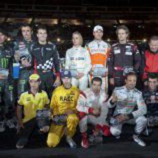 Foto de familia a de los participantes en la 'Stadium Race' 2011
