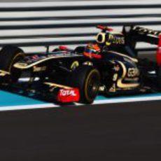 Romain Grosjean se sube al R31 en los libres de Abu Dabi