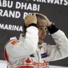 Hamilton no se cree que haya ganado en Yas Marina 2011